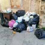 Abbandono dei rifiuti al Quartiere Carmine: la Polizia municipale multa tre furbetti